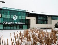 Le siège de la CCI Seine-et-Marne à Serris : image d'hiver
