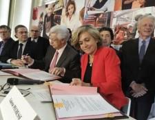 Signature de la convention Région et CCI d'Île-de-France